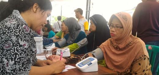Pasien dari Desa Sekelor Sidoarjo mendapat pelayanan kesehatan