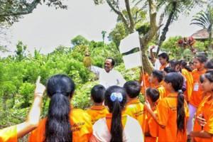 Para Peserta Belajar Dari Alam Dan Menggali Nilai-Nilai Yang Ada Di Alam
